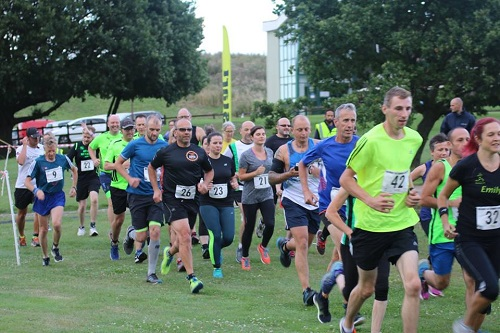 Runners running the Medway
