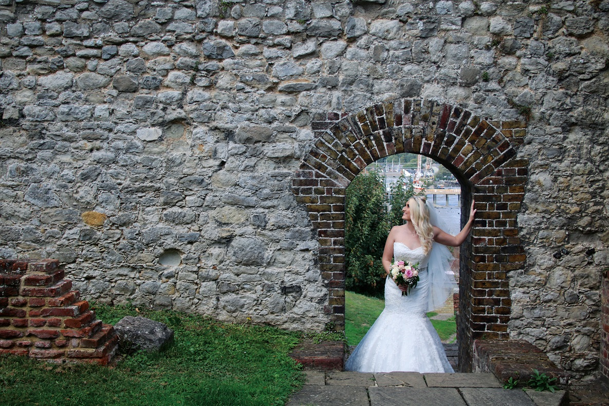 Upnor castle arch bride