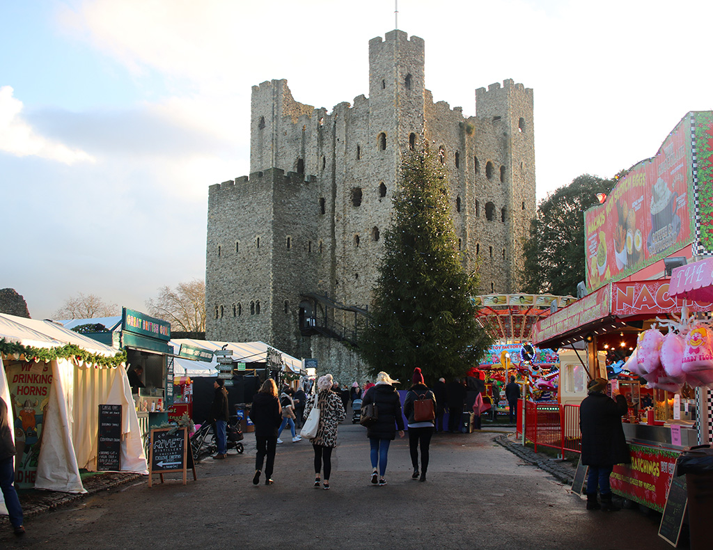 Christmas market by the castle